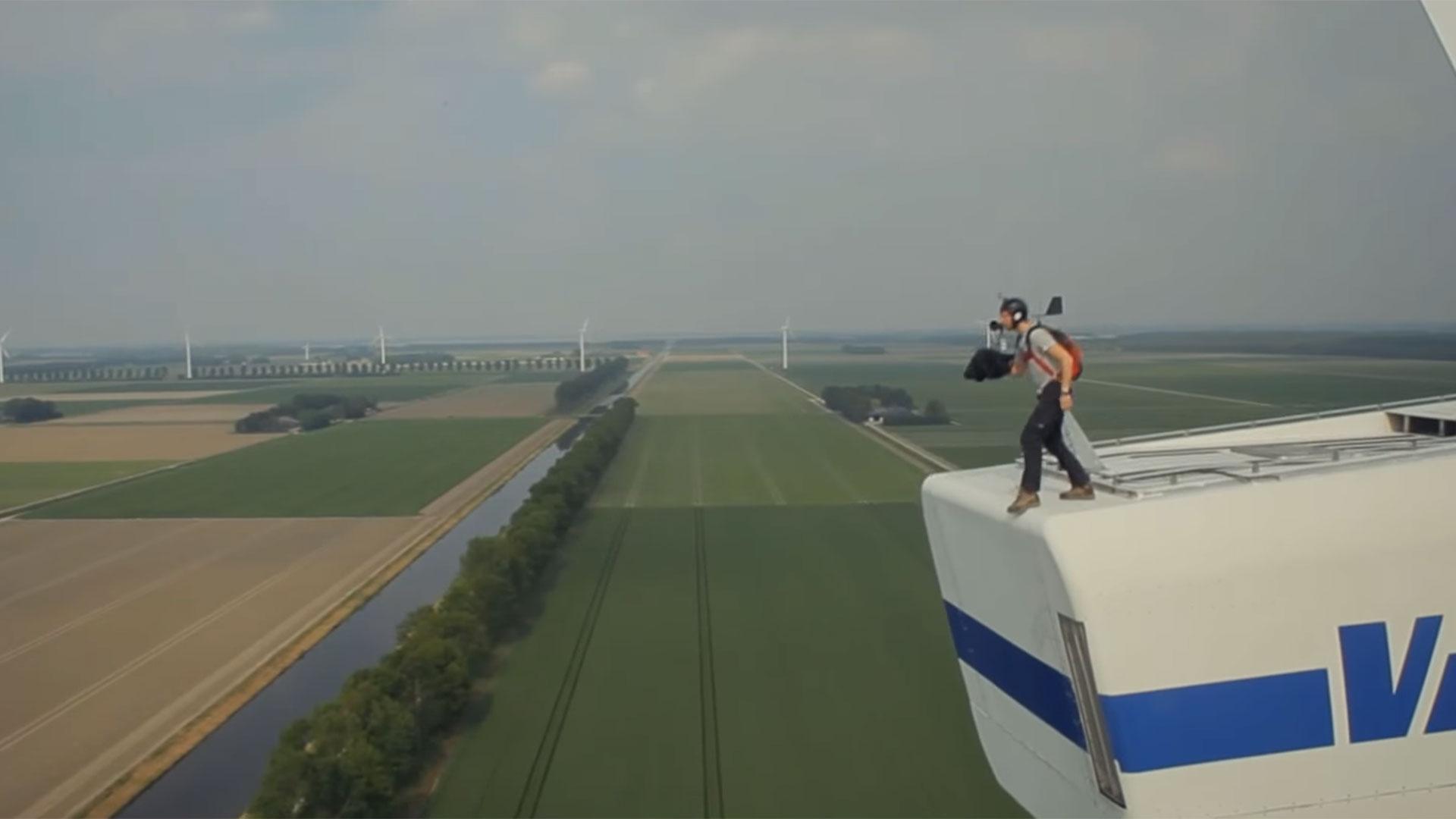 basejumpen van een windmolen
