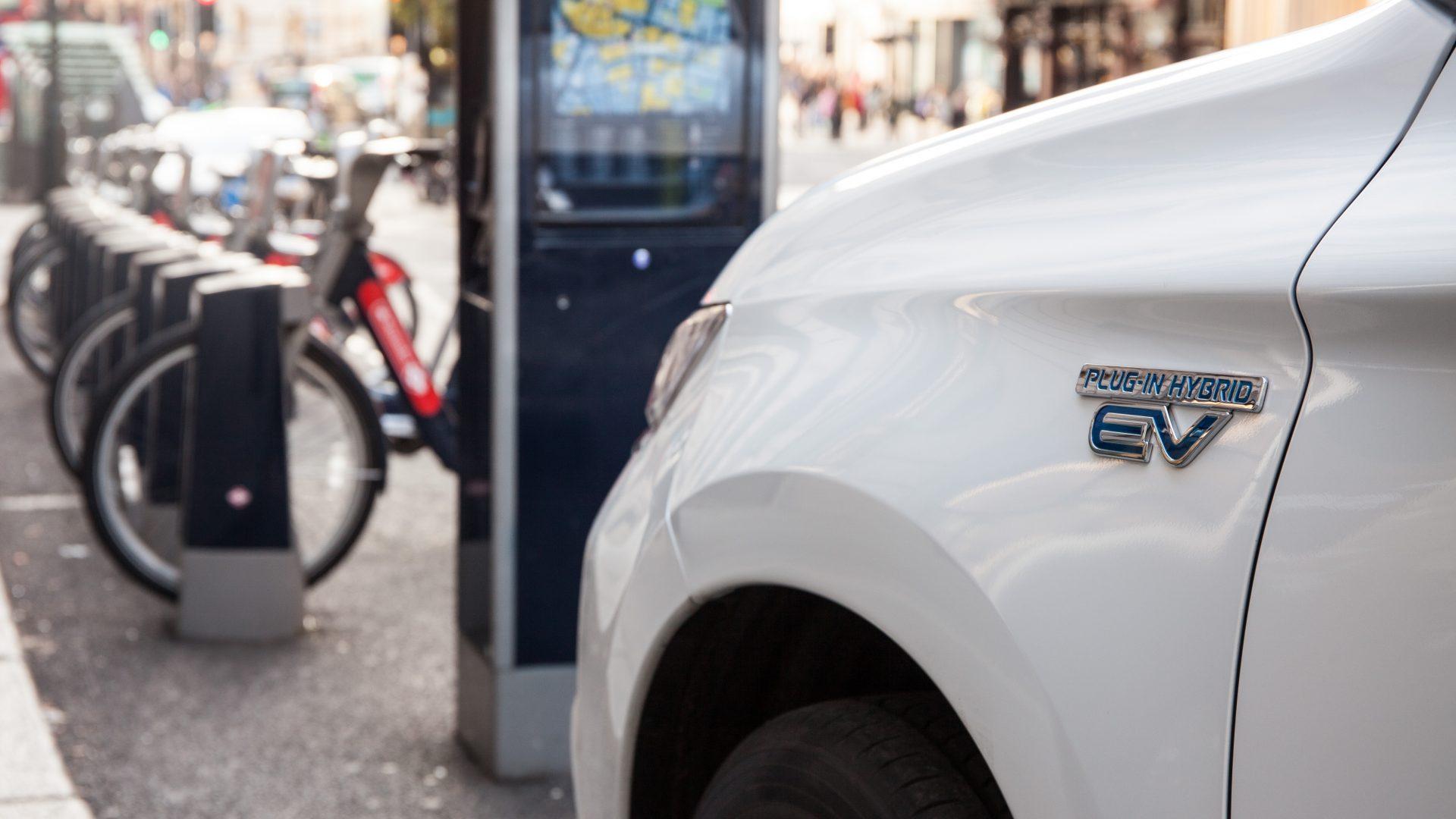 Mitsubishi Outlander PHEV city charging